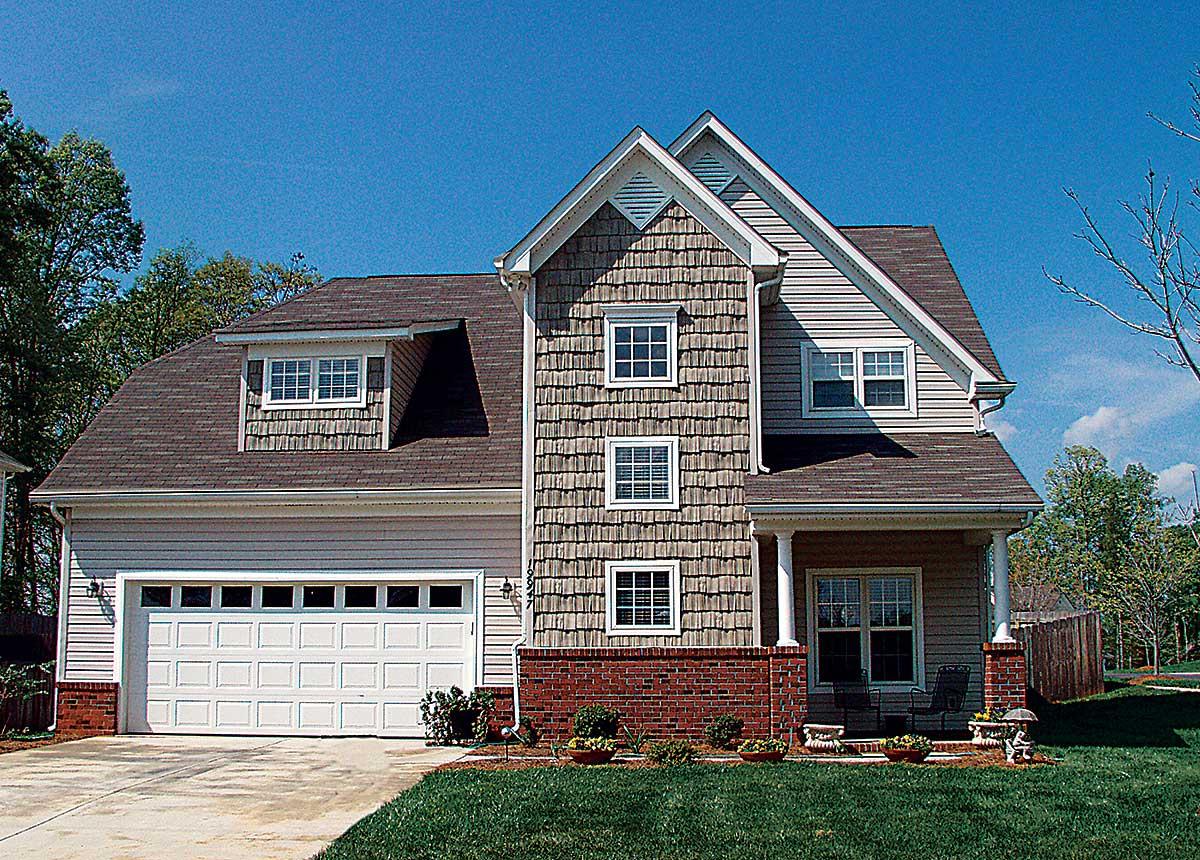 Narrow Lot Traditional House Plan 17762lv