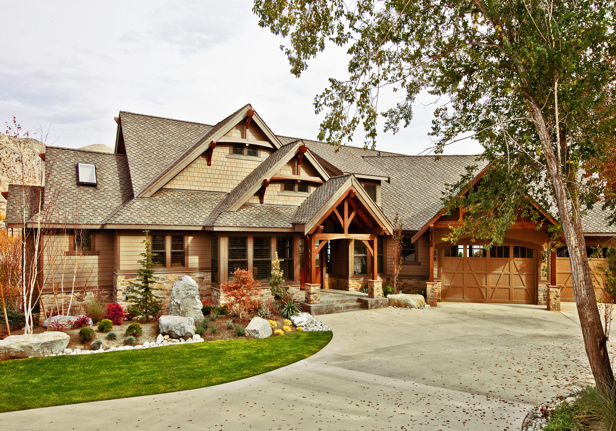 Architectural Home Plans Luxury: Luxury Craftsman With Bonus Room - 23283JD