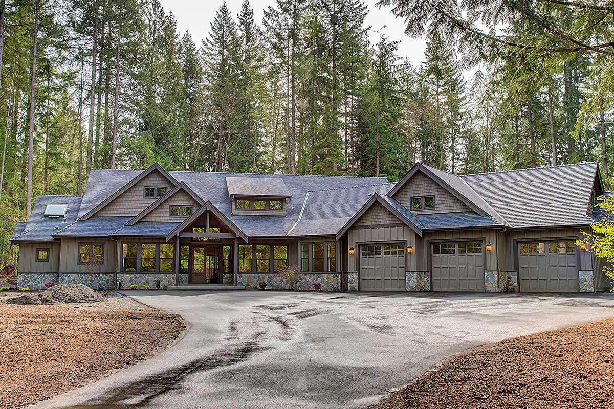 Amazing One-Level Craftsman House Plan - 23568JD ...