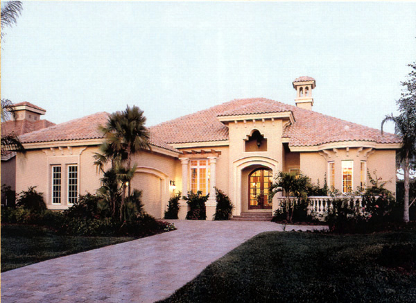 Home Design: Florida Home Plan With Courtyard And Lanais