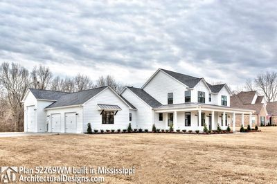 Farmhouse Plan 52269WM comes to life in Mississippi - photo 004