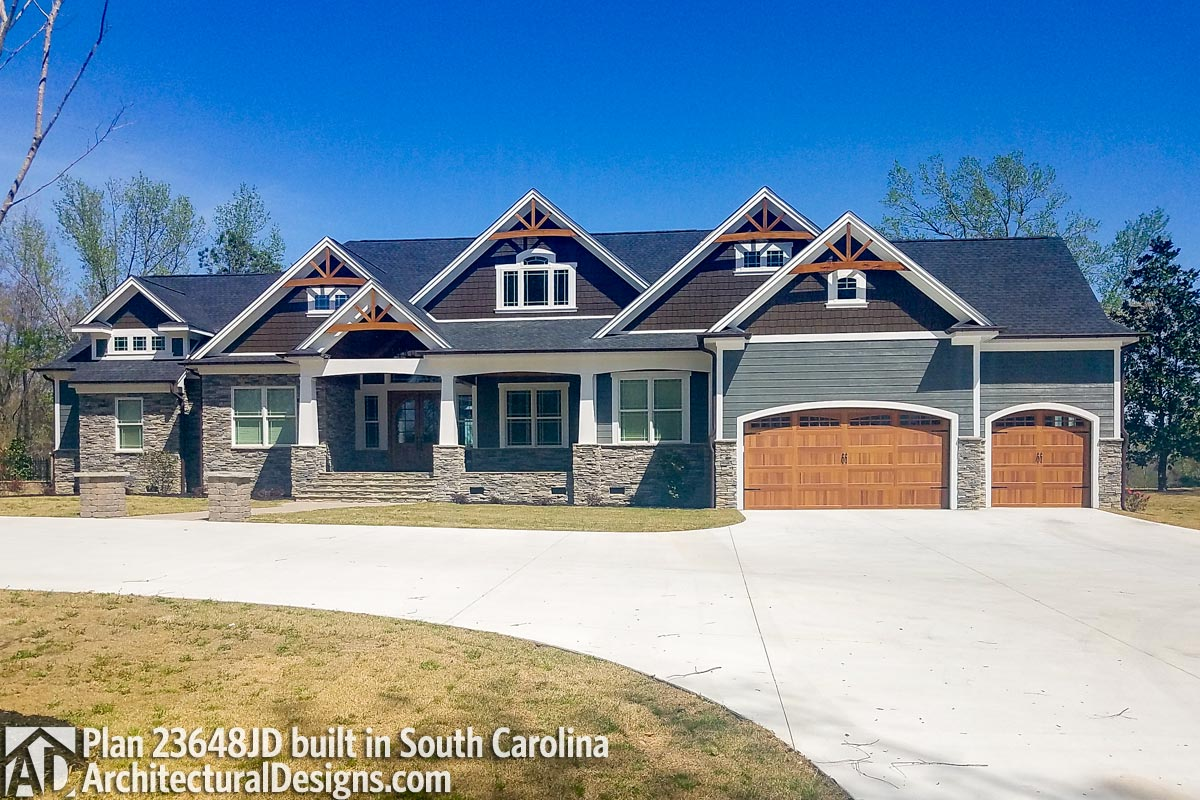 Mountain Craftsman With 2 Master Suites 23648jd Architectural