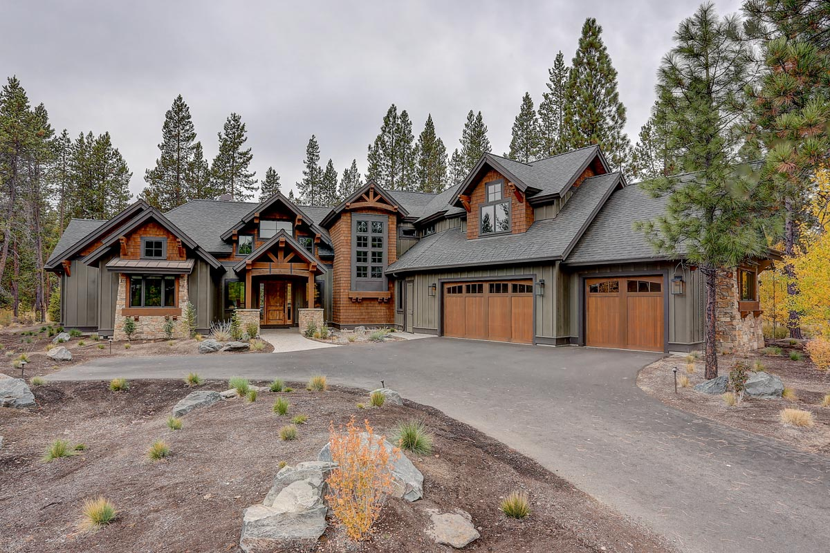 Stunning Mountain Craftsman Retreat With Two Master Suites