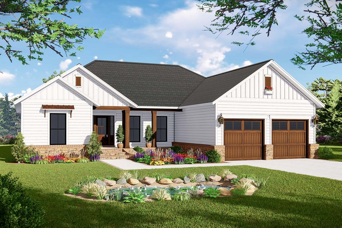 New American Ranch Home Plan With Split Bed Layout