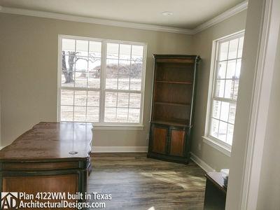 Farmhouse Plan 4122WM comes to life in Texas - photo 005
