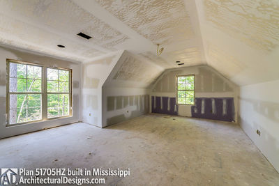 House Plan 51705HZ built with an all-brick exterior in Mississippi - photo 029