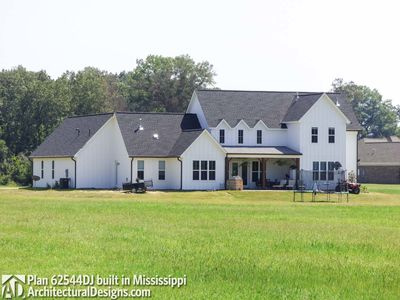 Modern Farmhouse Plan 62544DJ comes to life in Mississippi - photo 007