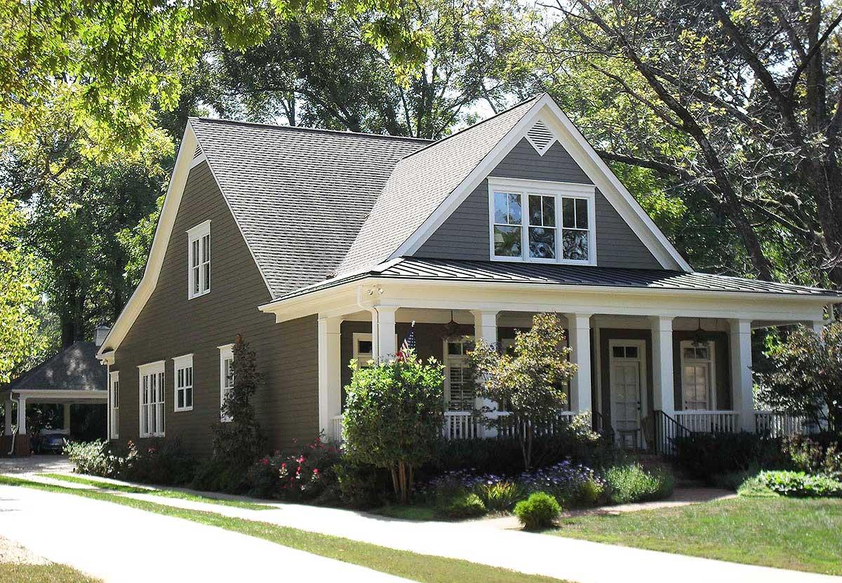 Adorable Cottage With Breezeway And Bonus 70010CW